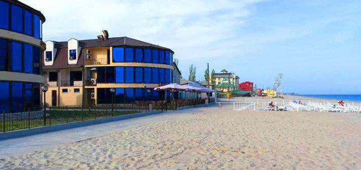 От 3 дней отдыха в бархатный сезон на базе «Солнечная» в Затоке на Черном море