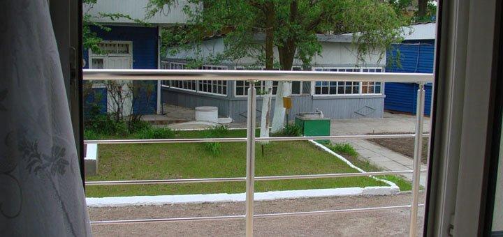 От 3 дней отдыха для двоих или троих в номерах люкс на базе отдыха «Галчонок» в Затоке