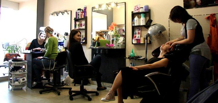 До 5 сеансов ботокс-лечения поврежденных и ослабленных волос в салоне красоты «Gee»