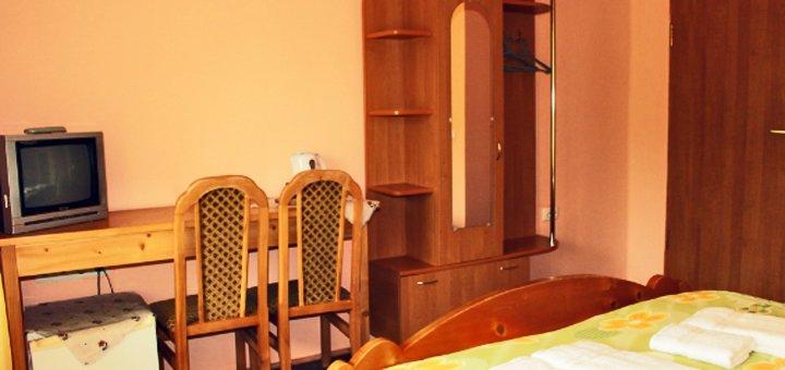 От 3 дней отдыха с питанием в отеле «Аратта» на курорте Пилипец в 200 метрах от подъёмников