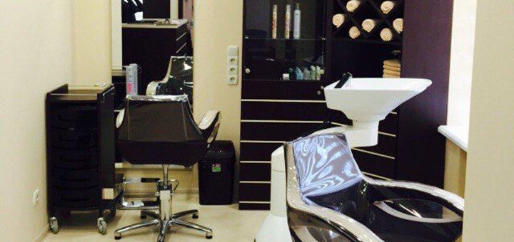 Стрижка, укладка волос, макияж на выбор в салоне «Сана Бьюти»