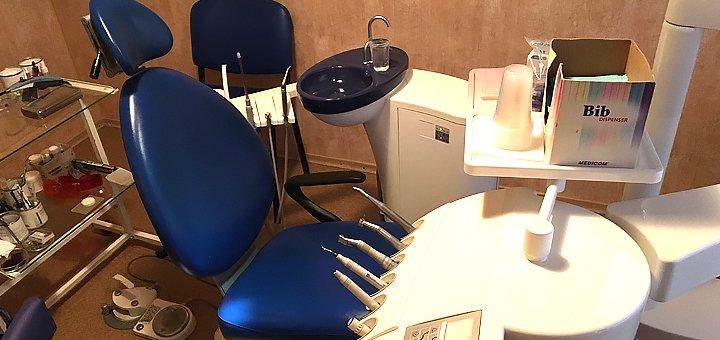 Лечение кариеса с установкой фотополимерных пломб в стоматологическом центре «Стоматология»