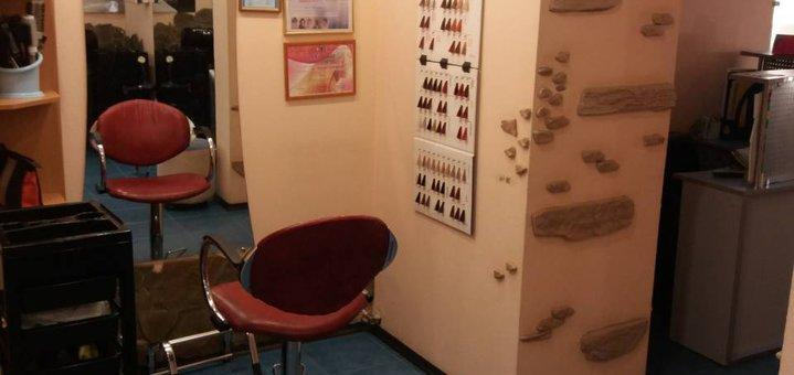 До 3 сеансов маникюра с покрытием гель-лаком в салоне красоты «Priority»