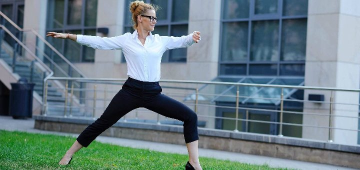 До 3 месяцев занятий йогой и йогатерапией в студии йоги «Self Center»