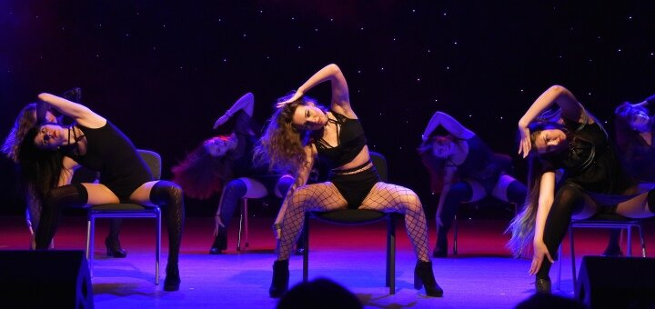 До 3 месяцев занятий Латина Соло, Contemporary, Booty Dance, Heels от «ArtDream Dance Studio»