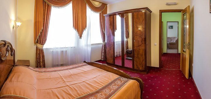 От 3 дней отдыха для двоих в SPA-отеле «Пятый океан» в 500 метрах от бювета в Трускавце