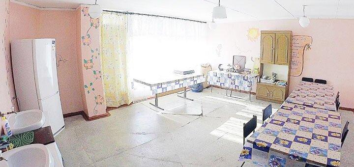 От 2 дней отдыха в августе в хостеле «Орлятко» в Генической горке на Азовском море