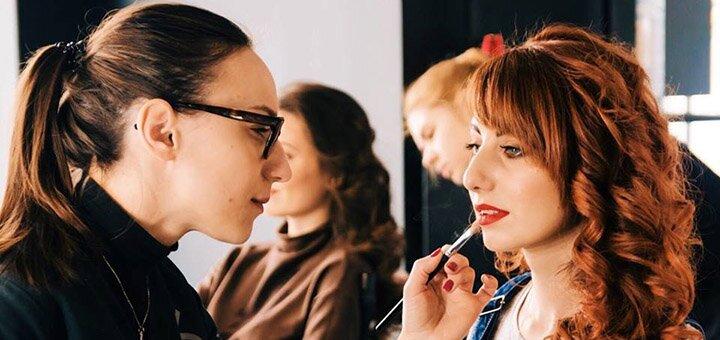 Профессиональная женская фотосессия с макияжем и укладкой в студии «HIVE beauty production»