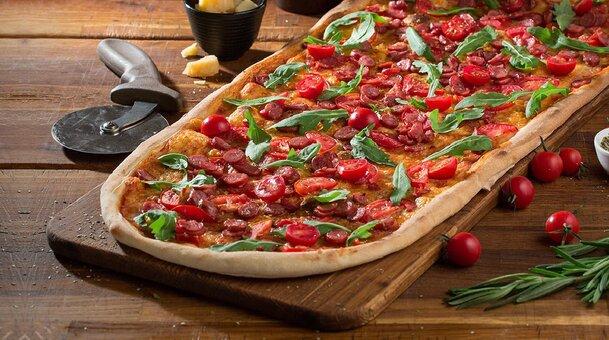 Скидка 50% на меню кухни, суши, пиццу, алкогольные, безалкогольные коктейли в ресторане «Mafia»
