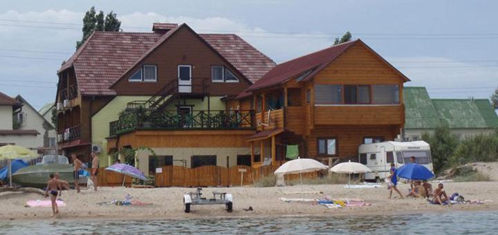 От 3 дней отдыха в номерах люкс в июне в отеле на берегу моря «Вилла Ялита» в Бердянске