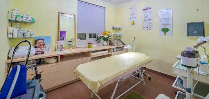 Маникюр, педикюр и покрытие «Shellac» или «Vinylux» в салоне красоты «Ansi beauty»