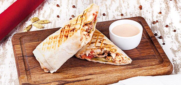 Скидка 50% на все меню кухни и пиццу в кафе «Istanbul»