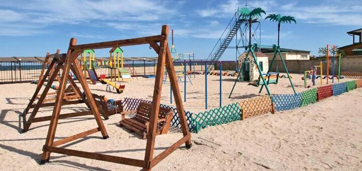 От 2 дней отдыха летом на базе отдыха «Тропиканка» в Кирилловке
