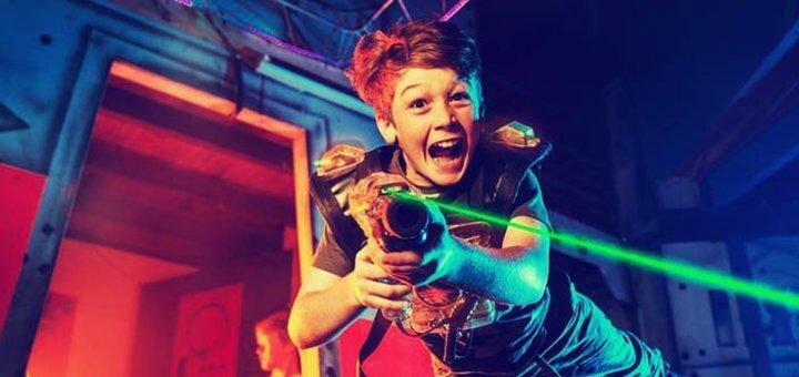 Подарочный сертификат на 30 минут игры в лазерные бои в развлекательном центре «CosmoStrike»