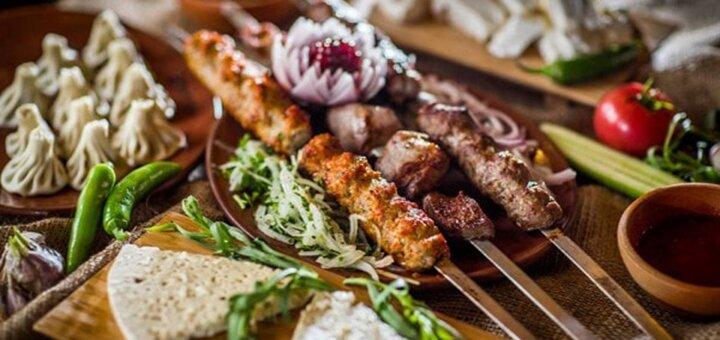 Скидка 50% на шашлыки из мяса, хачапури, хинкали и вино от грузинского ресторана «Чито-Гврито»