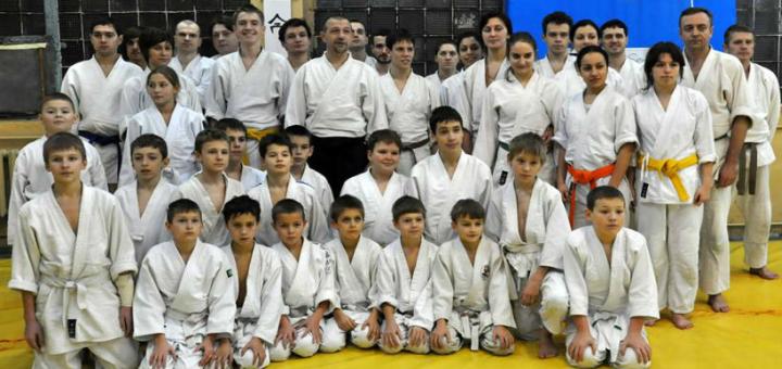 До 36 занятий айкидо в школе Айкидо «ХАГАКУРЭ»