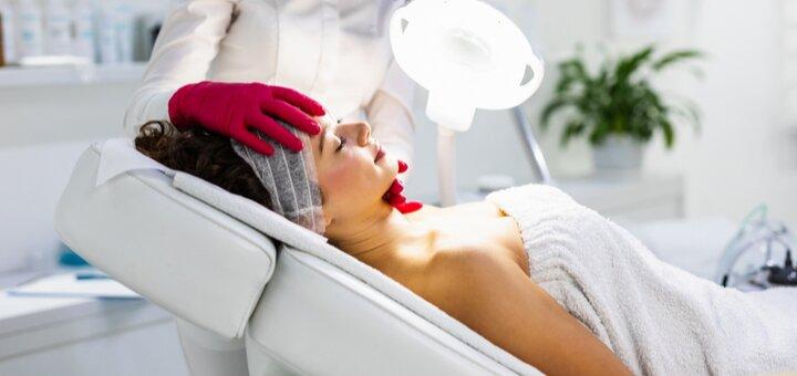 До 3 сеансів плазмотерапії обличчя або волосяної частини голови у медичному центрі «Венера»