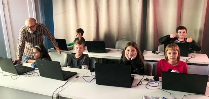 До 8 занятий «Роботы путешественники» или «Mindstorms» для детей в IT-кластере «Generation Z»
