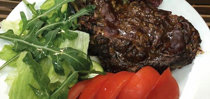 Скидка до 55% на всё меню кухни и бара в кафе домашней кухни «Home Sweet Home»