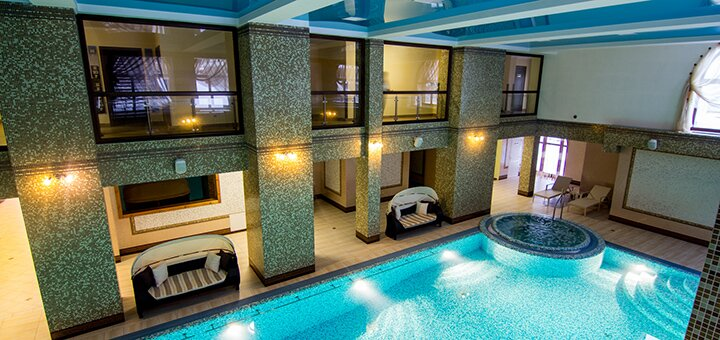 От 3 дней горнолыжного отдыха с бассейном и завтраками в отеле «Карпатська ружа» в Славском