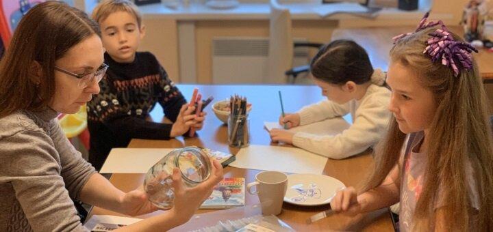 Скидка 50% на курс «Юный дизайнер-модельер» в студии «Fashion School Vika Frolova»
