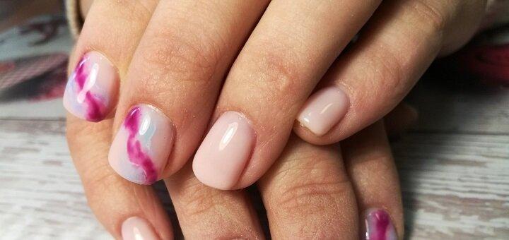 Маникюр и педикюр с покрытием гель-лаком в салоне красоты «Nails Art Studio»