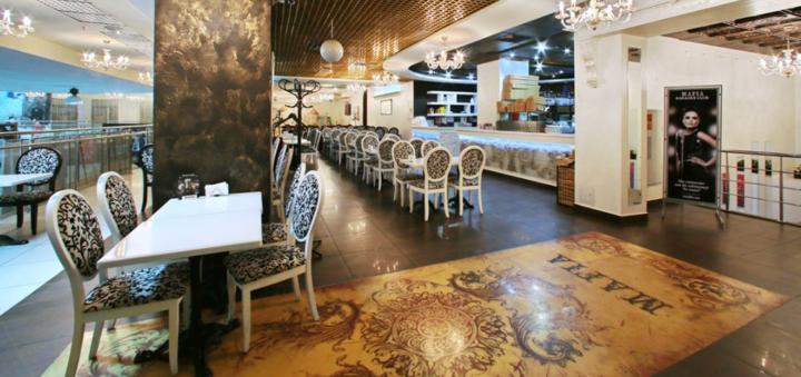 Скидка 50% на меню кухни, суши-бар и пиццу в семейном ресторане «Mafia» на Луговой