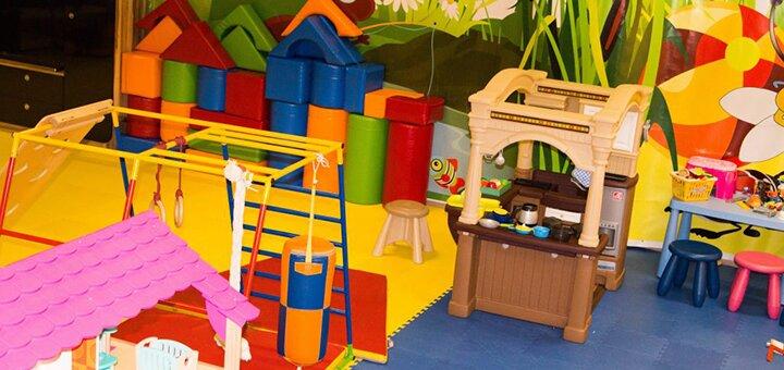 Посещение детской комнаты «Lego club weekend» в детском центре «Букаха»