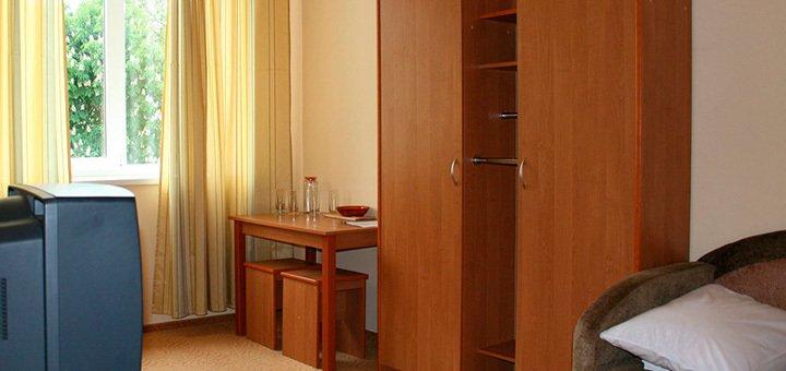 Лето на Черном море! От 3 до 12 дней для двоих в отеле «Лагуна» в Скадовске!